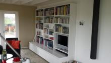 Televisiekast gecombineerd met boekenkast